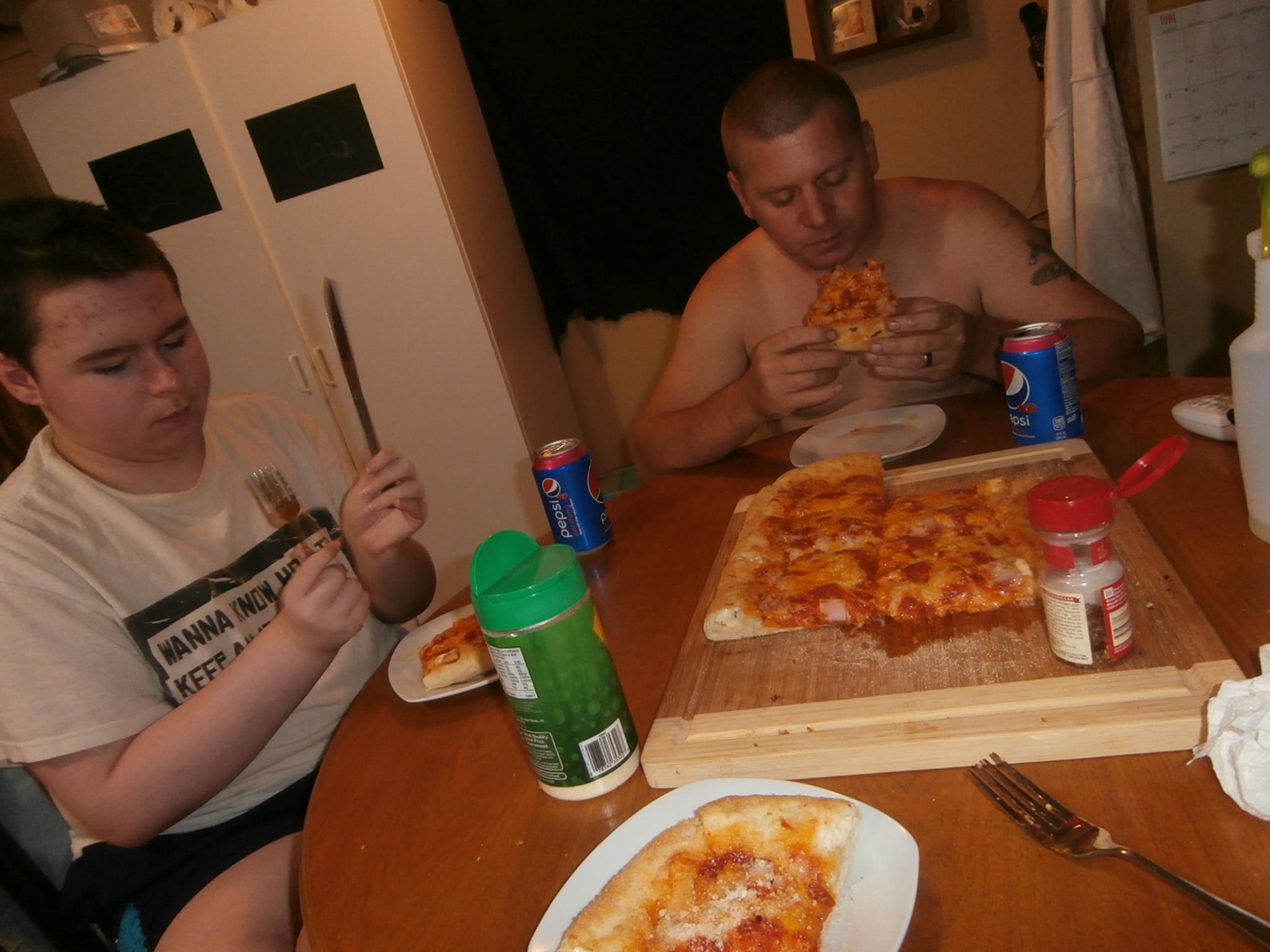 Homemade Stuffed Crust Pizza! #StuffedCrustPizza